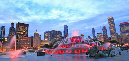 sears: Chicago skyline and Buckingham Fountain at night