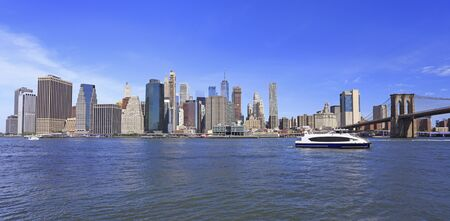 Skyline of downtown New York, Manhattan and Brooklyn Bridge USA