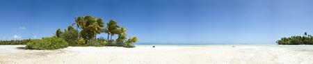 mauritius: Paradise wit zandstrand en de palm van een tropisch eiland panoramisch uitzicht