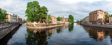 carrefour: Panoramic view of Moyka river and Admiralteisky canal crossing, St. Petersburg, Russia.