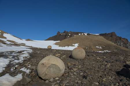 touchstone: Mysterious spherolith stones of Champ Island, Franz Jozef Land