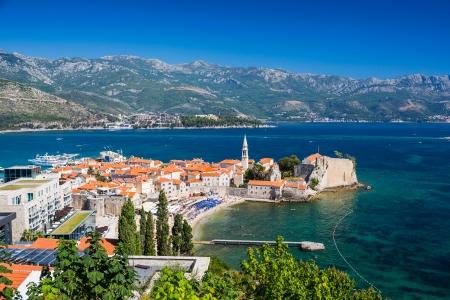 Montenegro, Budva, viejo vista superior de la ciudad Foto de archivo - 23960281