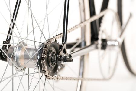 handle bars: Bicicleta estilo aislado en el fondo blanco Foto de archivo