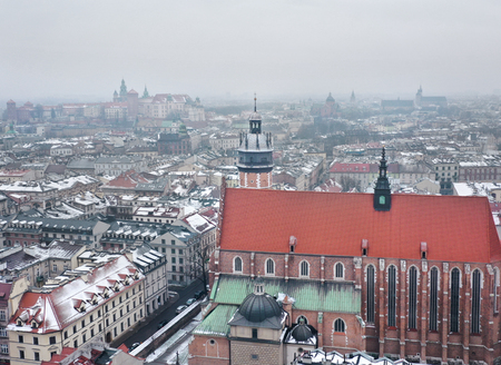 Aerial view of the historical center of Krakow, church, Wawel Royal Castle. Old town in winter Imagens
