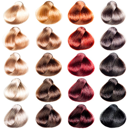 tinte cabello: Paleta muestras de pelo de diferentes colores. Tintes establecen.