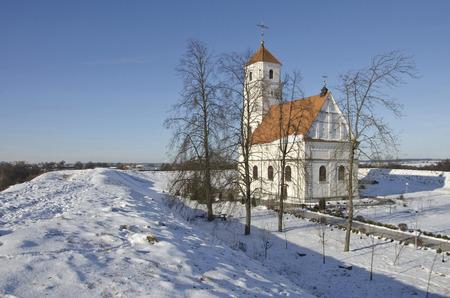 shaft: Belarus, Zaslavl: Spaso-Preobrazhensky orthodox church and ancient shaft.