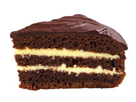 rebanada de pastel: El pastel de chocolate aislado en el fondo blanco
