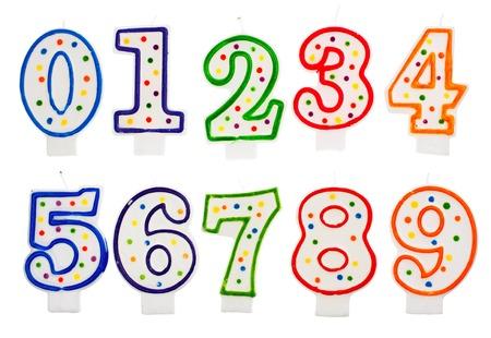 kerze: Geburtstagskerzen Zahl isoliert auf weißem Hintergrund
