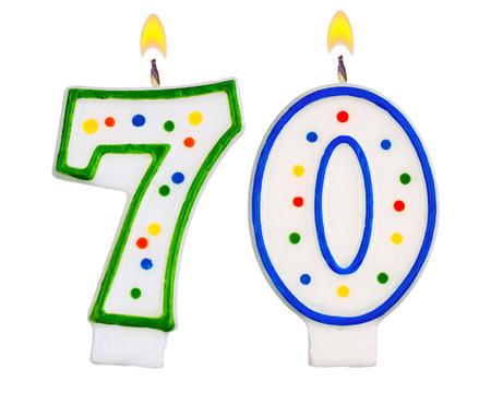 seventy: Candele di compleanno numero settanta isolato su sfondo bianco Archivio Fotografico
