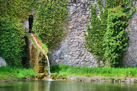 Lake, in the background stone wall