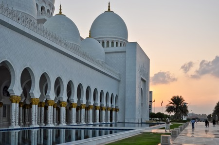 zayed: Sheikh Zayed Grand Mosque in Abu Dhabi UAE
