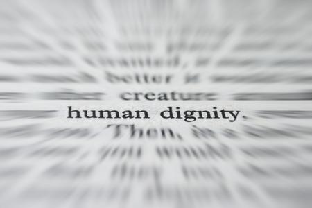 Macro fotografia delle parole Dignity- Concetto umano