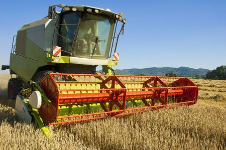 Combine harvester vehicle photo