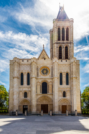 cathedrale: Basilique Saint-Denis. Paris monument. Christian church - cathedrale.