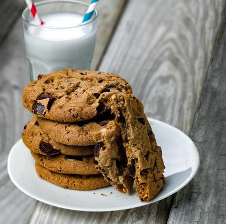 Chocolate Chip Cookies and Milk Stockfoto