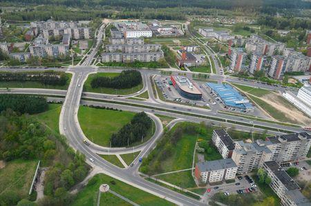 grayness: La strada del sobborgo a Vilnius.