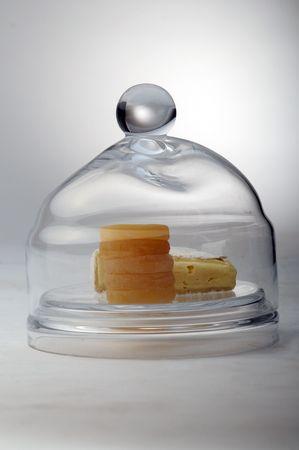 ermine: El trozo de queso en frasco de vidrio.