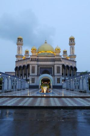 Die Jame'Asr Hassanal Bolkiah Moschee am frühen Avening Standard-Bild