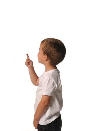 Bild von einem Jungen zeigte auf etwas