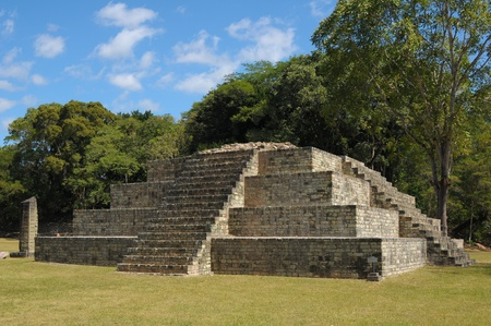 descendants: One of the temples in the Copan Ruinas