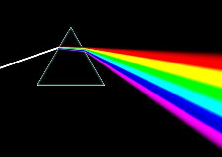 prisma: Haz de luz brilla a trav�s de un prisma en blanco y, a continuaci�n, se dispersa la luz en un espectro de colores de arco iris todo.  Foto de archivo
