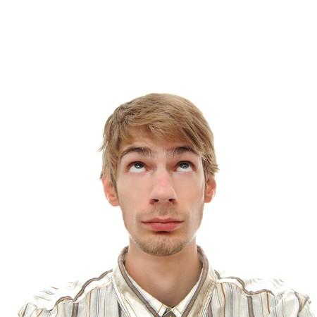 bloke: Un giovane adulto giovane adolescente uomo bianco guardando direttamente sopra. Professionalmente ritoccate.