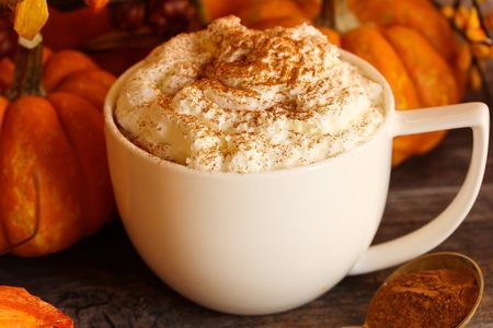 fall: Pumpkin spice latte for halloween and thanksgiving fall season dring Stock Photo