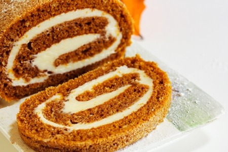 Pumpkin roll Fall Halloween and thanksgiving dessert