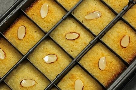 farina: Basbousa Middle Eastern Semolina Sweet Cake