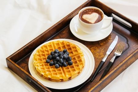 Warm Waffle Breakfast with blueberry and homemade coffee 版權商用圖片 - 54724893