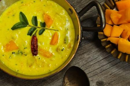 Mango Yogurt Curry South Indian food Banque d'images