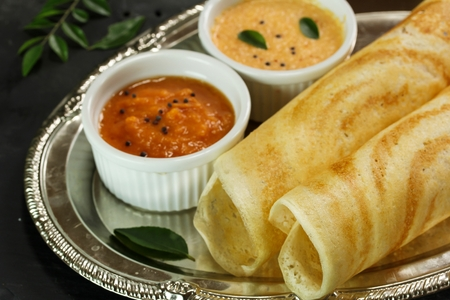 Dosa with chutney, south Indian breakfast Banque d'images