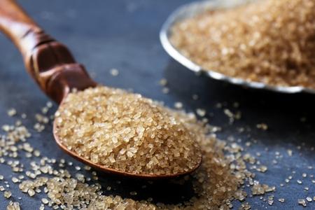 粗糖をクローズ アップ、セレクティブ フォーカスのある静物