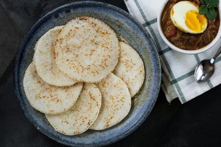 tiPathiri - 伝統的なケララ州マラバル朝食は米粉