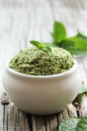 Mint Chutney with fresh mint leaves coconut and yogurt / Mint coconut chutney Zdjęcie Seryjne