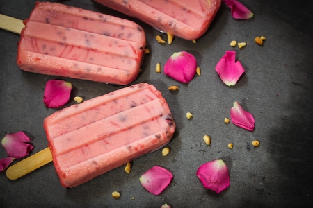 Vermicelli Rose ice creams