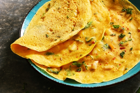 Chilla or Cheela  - Gluten free Chickpea flour pancake / Vegetarian Omelette Banque d'images