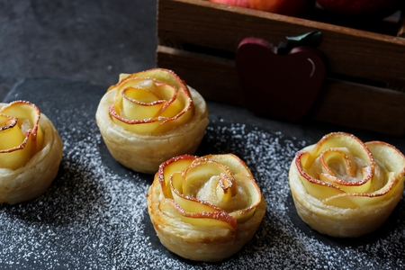 Apple Rose puff pastry Tart / Fall baking