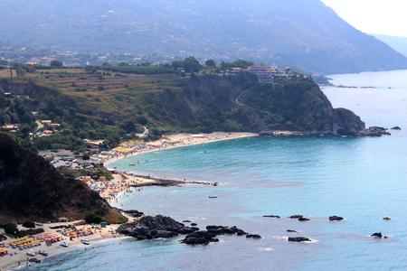 Sea, Coastline and Cliff Zdjęcie Seryjne - 81276235