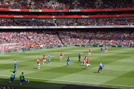 2012 年 4 月 21 日、エミレーツ スタジアム、ロンドン、イングランドでアーセナル V チェルシー 0-0 描画サッカーサッカーの試合を再生