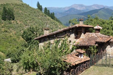スペインの田舎の素朴なコテージ 写真素材