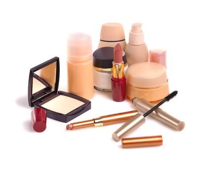 trucco cosmetici isolato su sfondo bianco