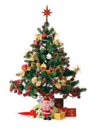 abete di Natale decorati con doni