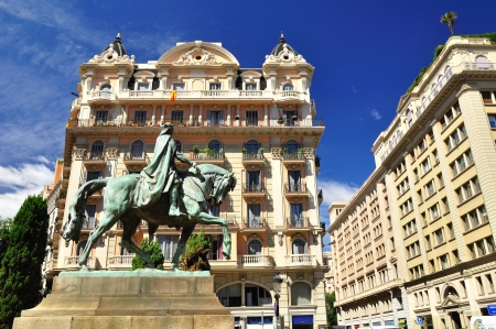 Statue of Count Ramon Berenguer IV in front of beautiful building  Barcelona