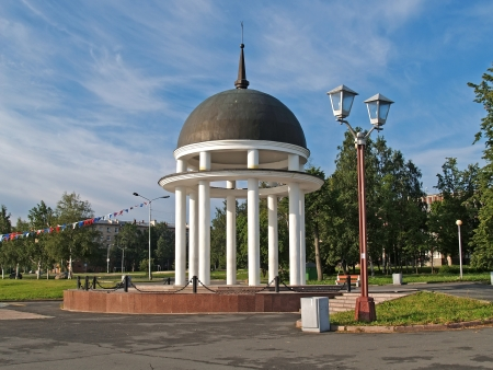 rotunda: Petrozavodsk  Petrovsky rotunda on Lake Onega Embankment Stock Photo