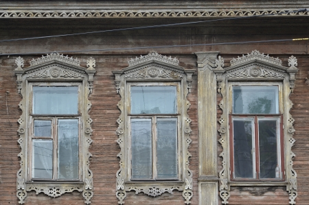 without windows: Three windows with carved platbands