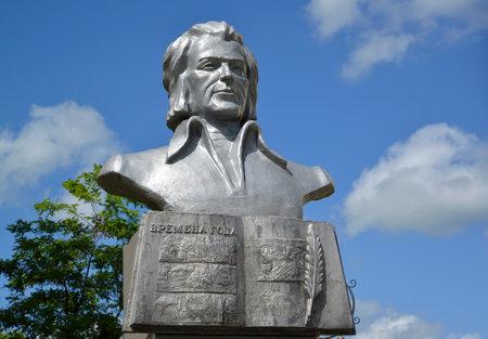 gusev: Busto del poeta lituano Kristionas Donelaytis in Gusev