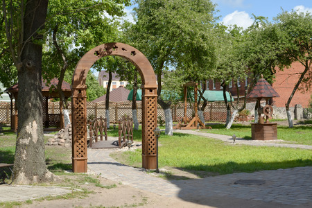 entrance arbor: Landscaping in rural style