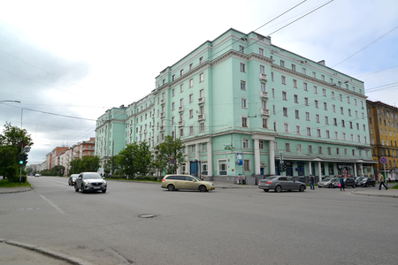poorly: MURMANSK, RUSSIA - JULY 20, 2015: The building of construction of the 1950th years on Lenin Avenue