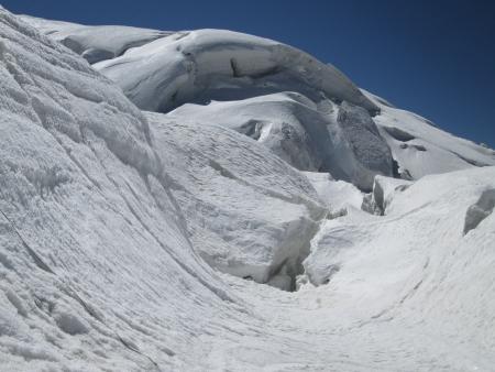 crack climb: cracks in glaciers and seracs